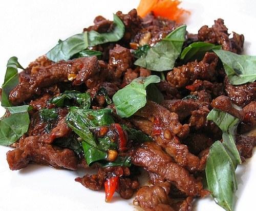 68. Boeuf au basilic 罗勒炒牛肉