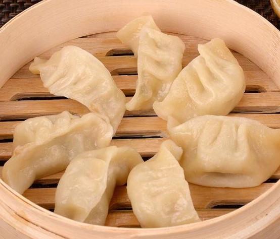 12. Ravioli vapeur au poulet 鸡肉饺子