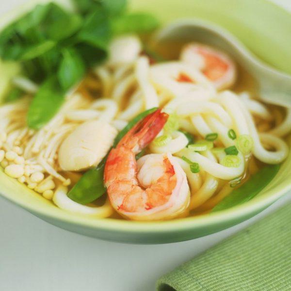 300C. Soupe Udon aux crevettes 乌冬虾汤面