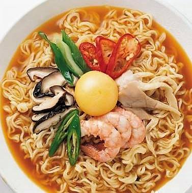 400C. Soupe de Ramen aux crevettes 虾仁拉面